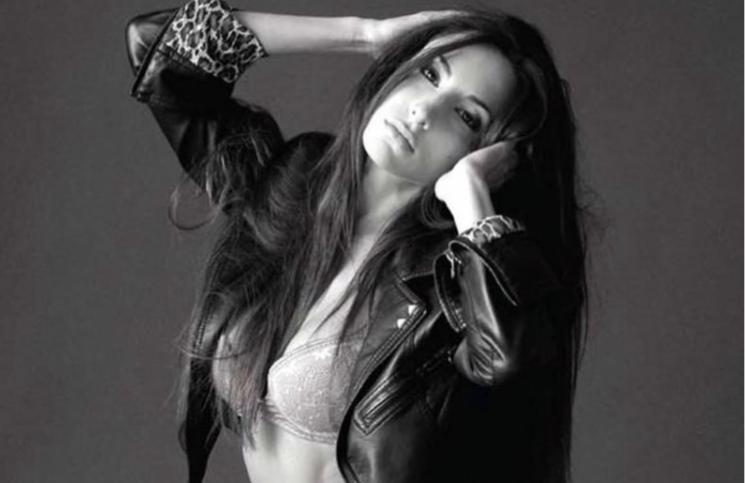 """Ropa interior y campera de cuero, el look rockstar de Magui Bravi: """"Flashback"""""""