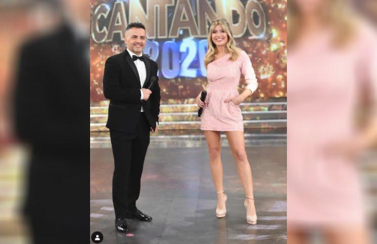 Elegante (y cortito) vestido rosa: el look de Laurita Fernández para el arranque del Cantando 2020