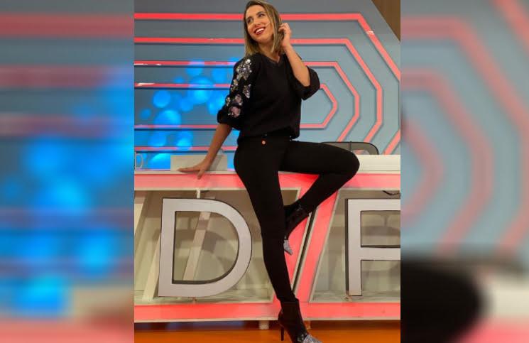 Total black y pantalón (ultra) ajustado: el look de Cinthia Fernández que enamoró a todos