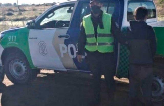 El policía involucrado fue quien retuvo al joven que estuvo desaparecido.