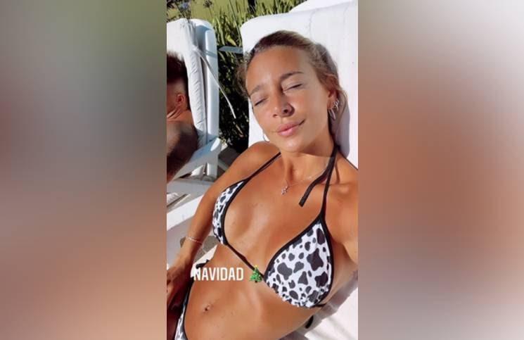 Con una cavadísima bikini de vaca, Sol Pérez se filmó bajo el sol y en la pileta