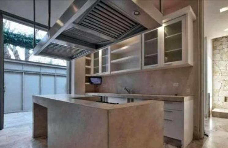 Tres pisos, playroom y pileta climatizada: la cifra que pide Pampita para alquilar la casa en la que vivía con Vicuña