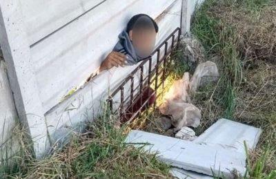 Un delincuente falleció cuanto intentó entrar a una casa y lo aplastó un muro de hormigón