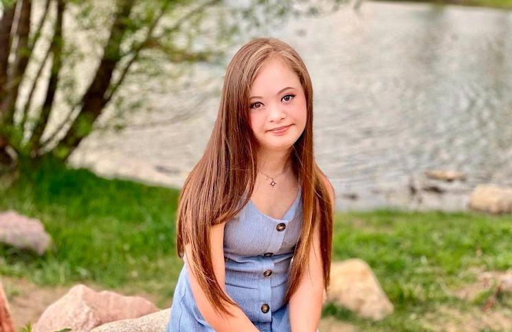 Kennedy, la modelo adolescente con Síndrome de Down que emocionó al mundo